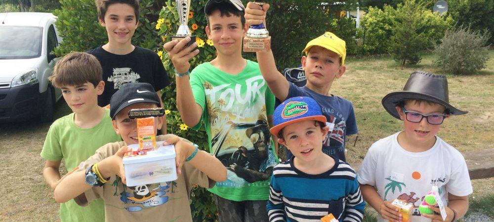 concours pétanque enfants trophées