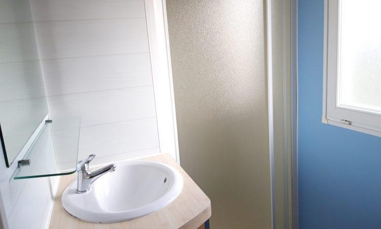 Salle de bains mobil-home Louisiane